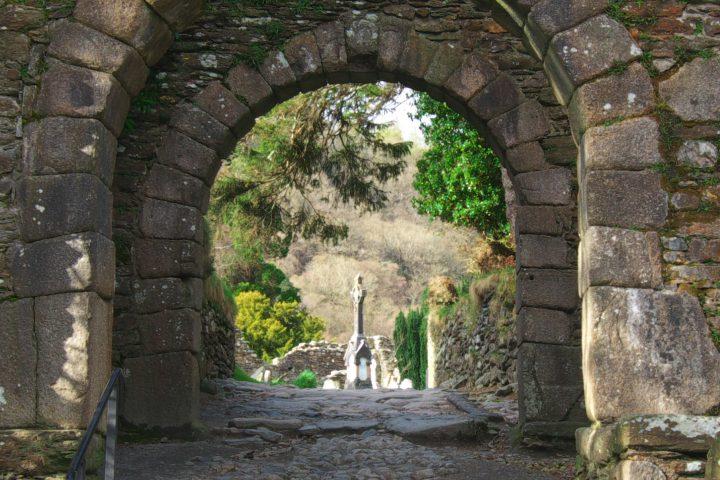entrance-archway-glendalough