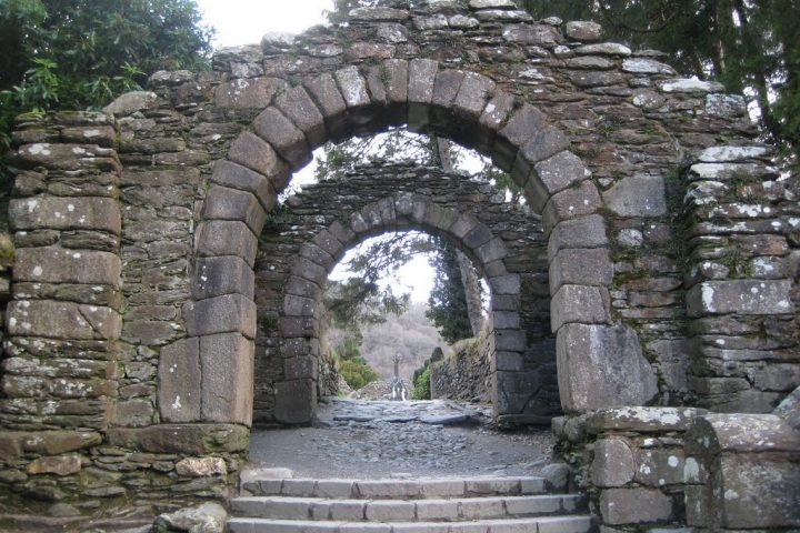 glendalough-gateway-to-the-monastic-city
